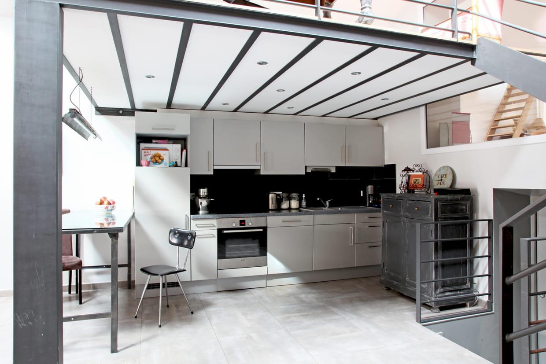 Une cuisine ouverte for Cacher une cuisine ouverte