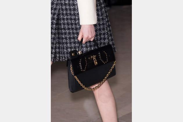Louis Vuitton (Close Up) - photo 32