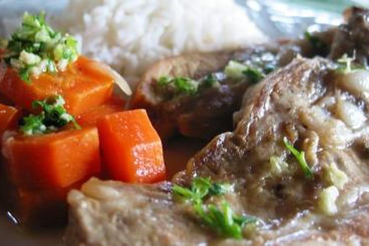Veau aux carottes, oignons et riz