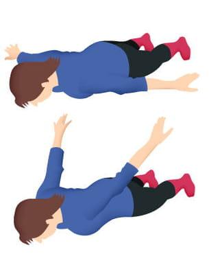ne décollez pas vos pieds du sol durant cet exercice. idem pour votre front.