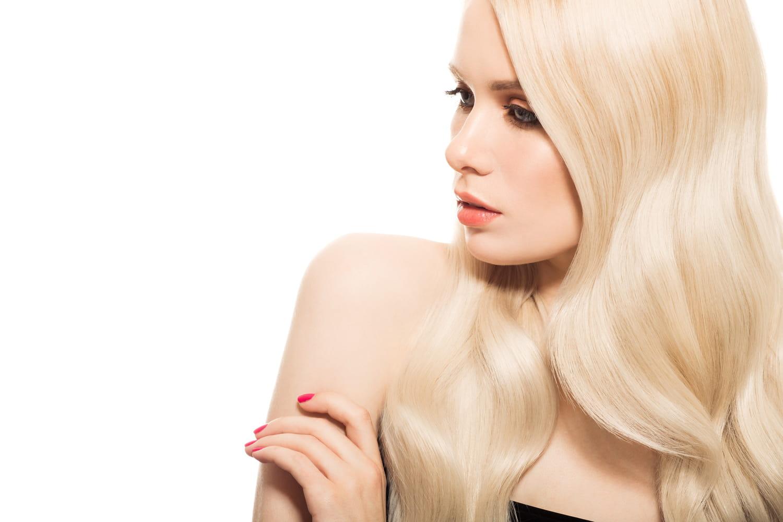 Balayage californien: conseils et technique pour un joli blond