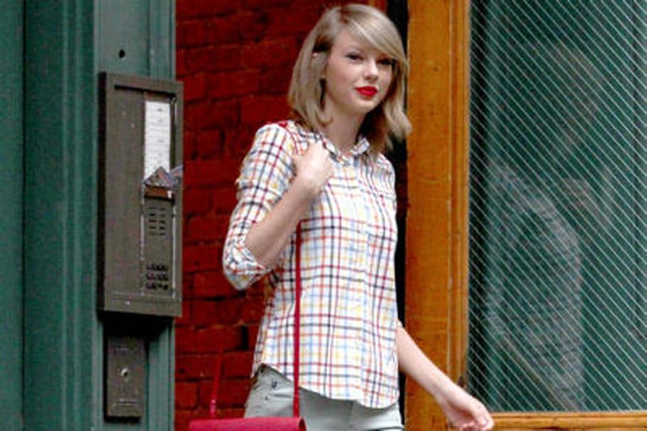 Le look people du jour: Taylor Swift, élancée