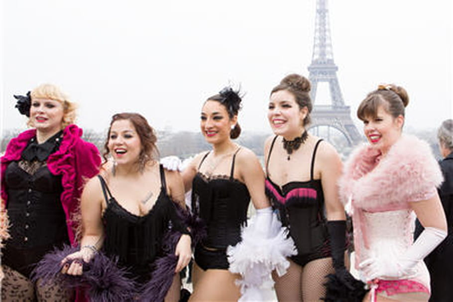 "Pink Bra Bazaar : une association ""so girly"""