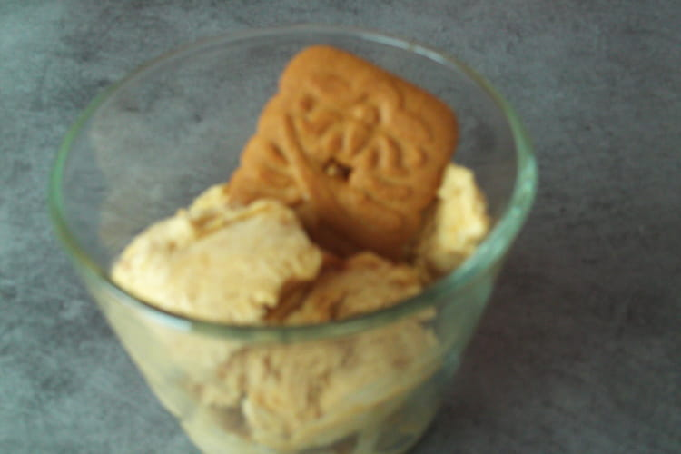 Glace aux speculoos toute simple