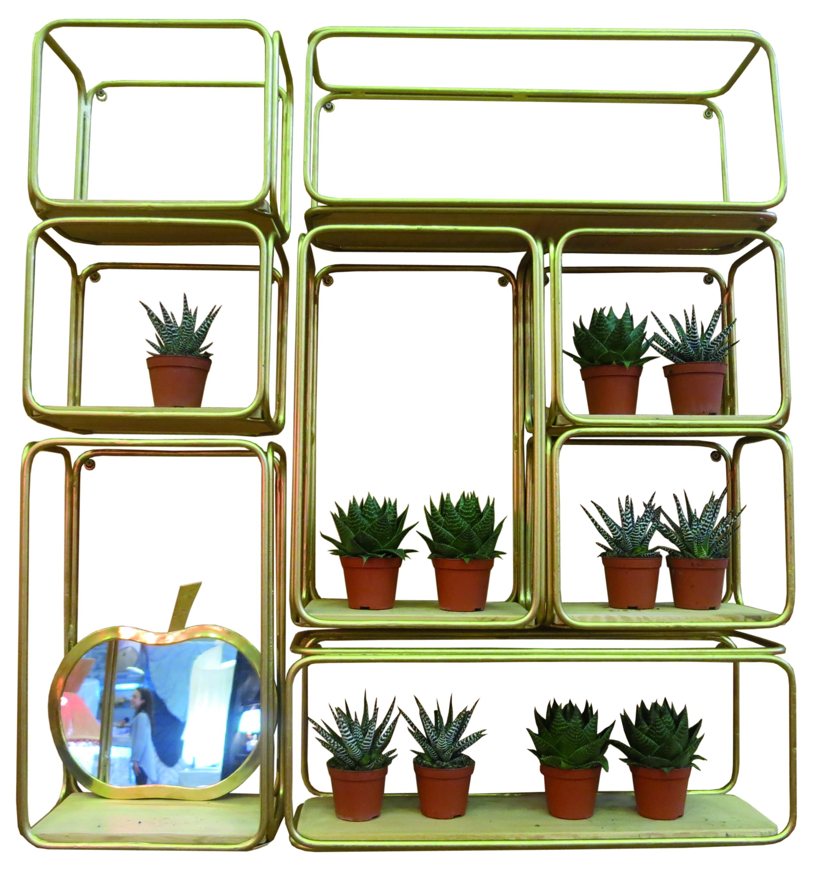 etag res laiton et bois chez home autour du monde. Black Bedroom Furniture Sets. Home Design Ideas