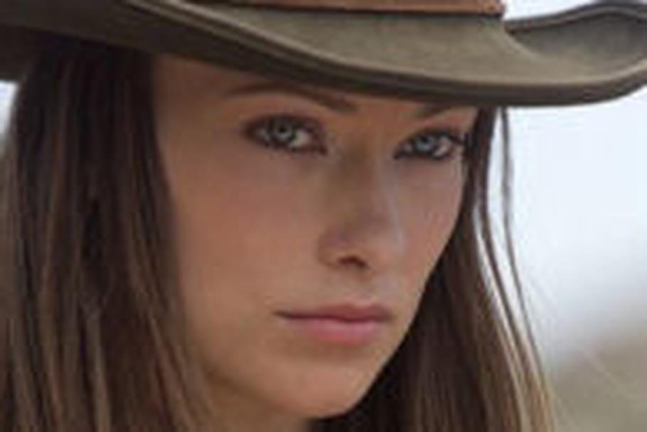 Olivia Wilde et Emma Stone deviennent les nouvelles égéries de Revlon