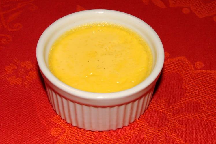 Petites crèmes à la vanille au four