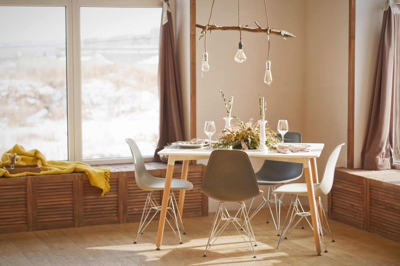 Les tables s'adaptent à tous les besoins et font salon