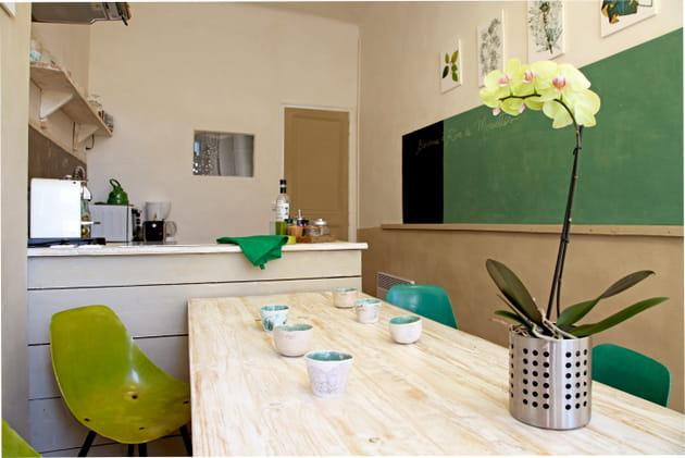 Une cuisine au camaïeu de verts