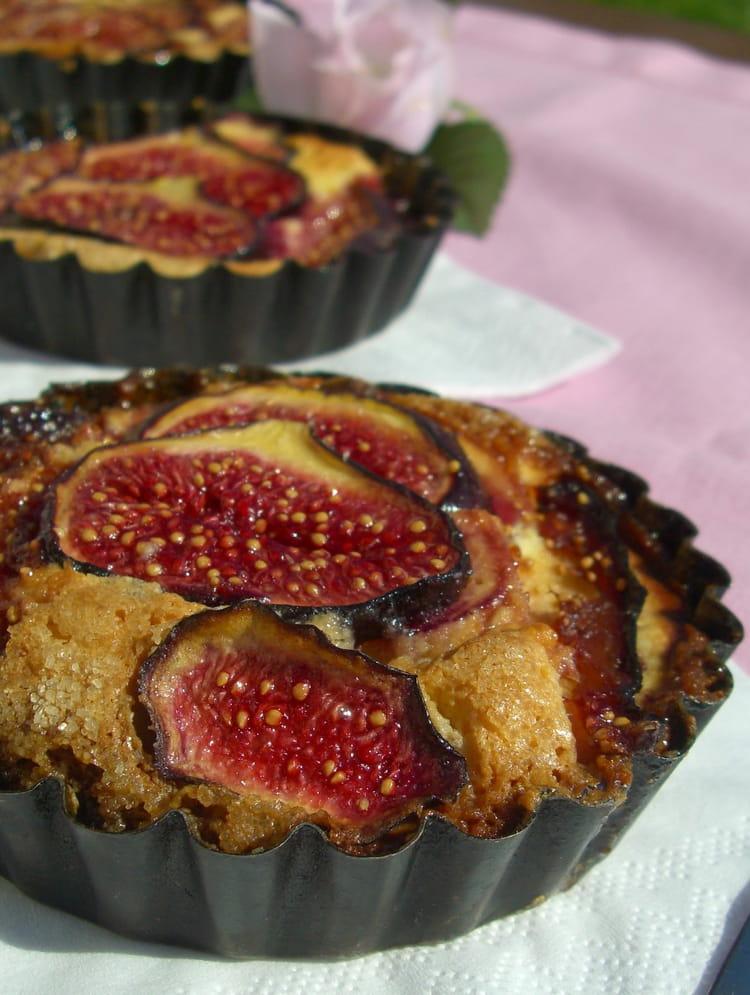 Recette de tartelettes aux figues la cr me d 39 amande la - Cuisiner figues fraiches ...