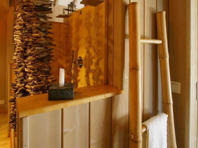 Bambou et bois flotté
