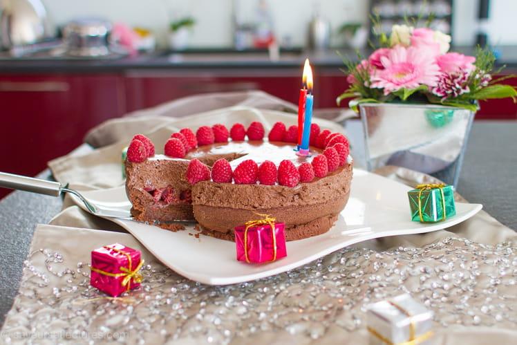 Gâteau mousse au chocolat et framboises