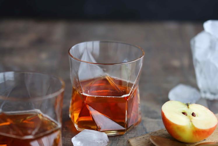 Cocktail Dandy au Calvados, pomme et rhubarbe