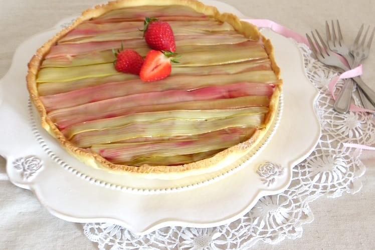 Tarte aux fraises et rhubarbe délicate