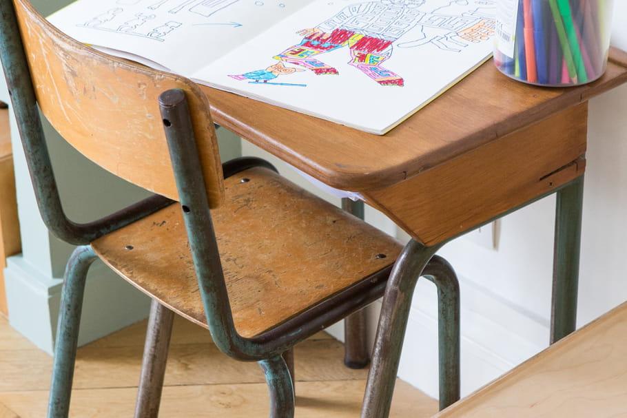 Le truc à chiner: le bureau d'écolier