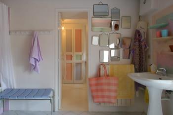 Donner du style ses portes avec de la peinture - Donner ses meubles a une association ...