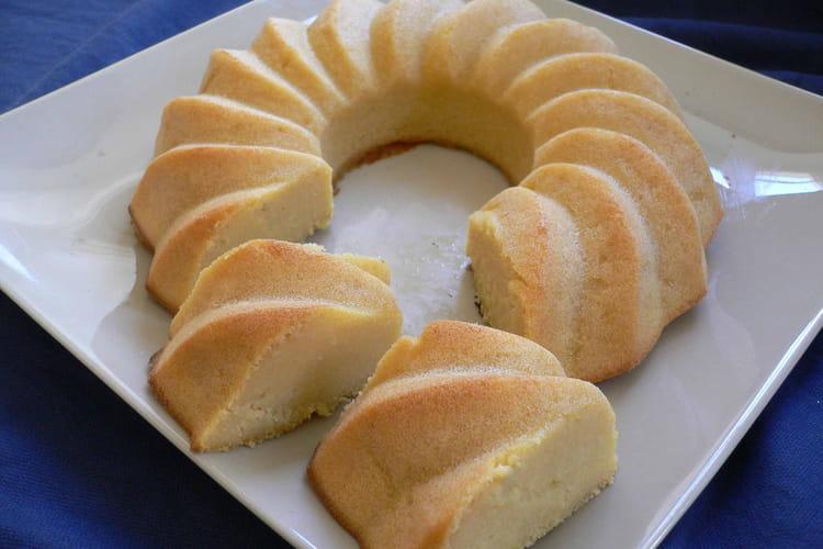 Couronne fondante farine de maïs-compote de pomme