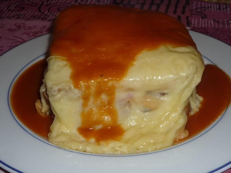 recette de francesinha croque monsieur portugais la. Black Bedroom Furniture Sets. Home Design Ideas