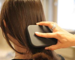 démêlez vos cheveux pour plus d'efficacité.