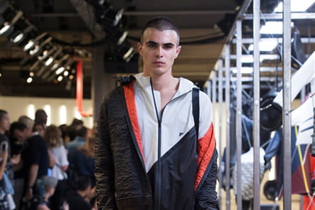 Tim Coppens And Under Armour - passage 19