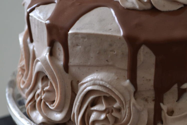 Layer cake aux Kinder Bueno