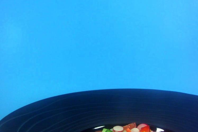 Salade méditerranéenne, vinaigrette balsamique à l'oeuf
