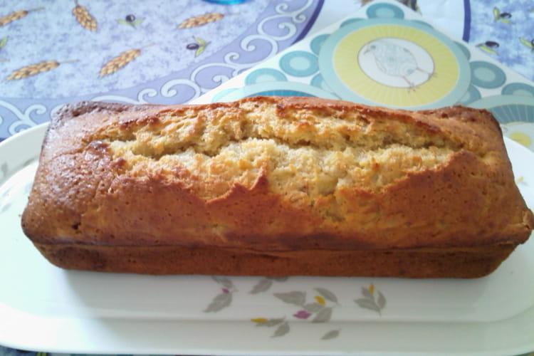 Cake moelleux à la banane et amandes