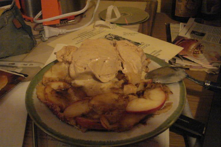 Crépiaux aux pommes et glace cannelle