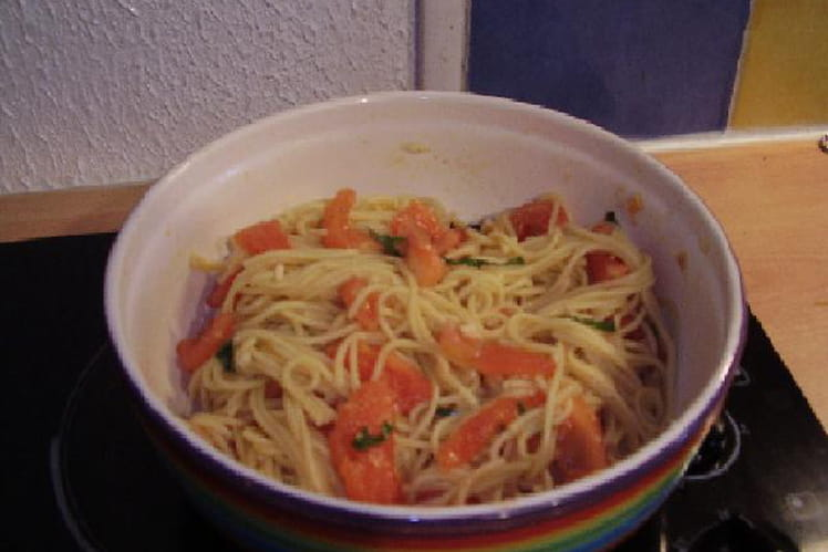 Spaghettis à la concassée de tomates
