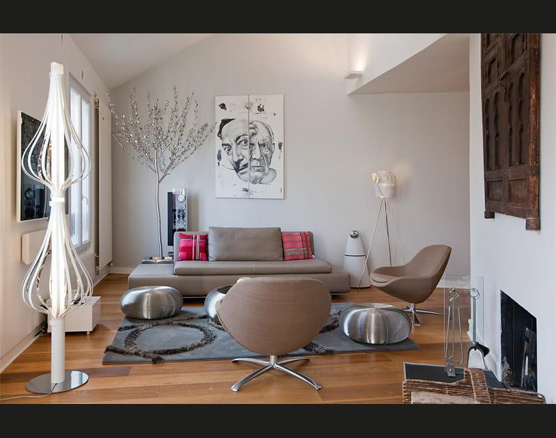"""Une maison """"upside down"""" à Montmartre"""
