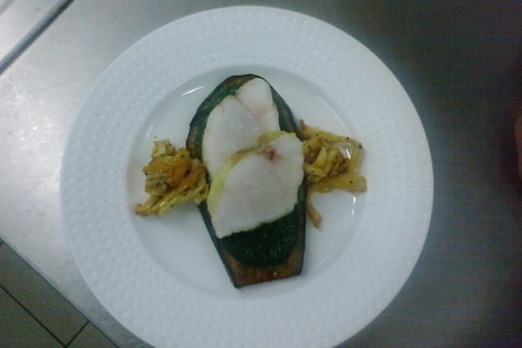 Lotte rôtie sur tartine d'aubergine et girolles