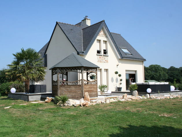 Une terrasse aménagée dans un style design