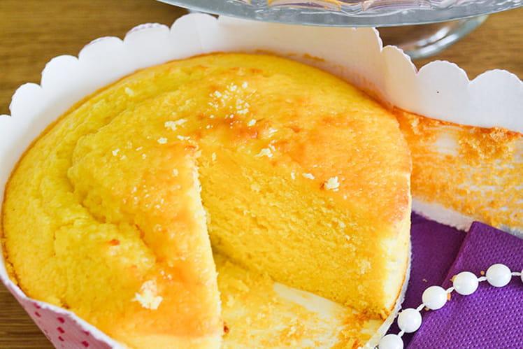 Un cake au citron bien parfumé à la texture toute en densité et en ...