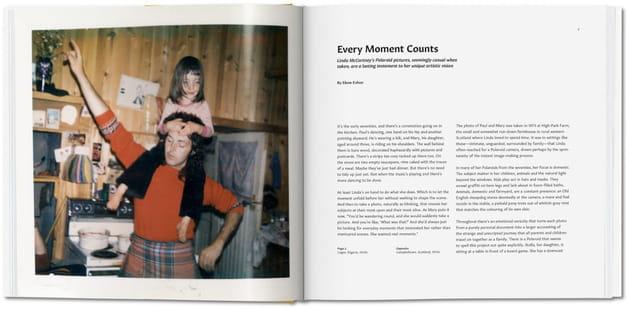 Paul McCartney avec sa fille Mary en 1973