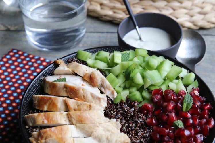Bowl poulet quinoa concombre et grenade
