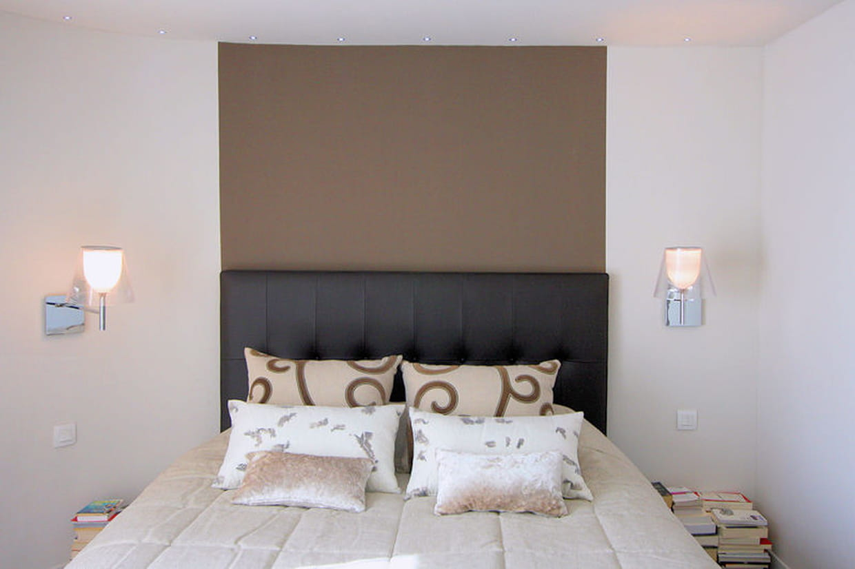 sublimer sa t te de lit avec de la peinture au mur. Black Bedroom Furniture Sets. Home Design Ideas