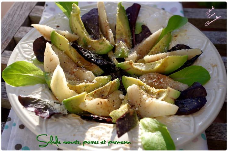Salade avocats, poires et parmesan
